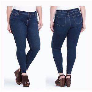 Torrid Luxe Skinny Medium Wash Jeans Size 22